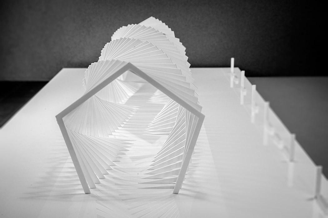 maqueta-arquitectura-negrosobreazul-paseo-pergola-arquiayuda-(3)